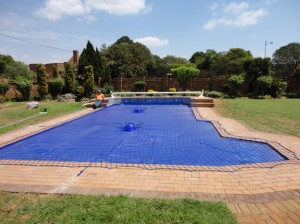 Pool Safety Net & Solar Blanket Rowhill Springs
